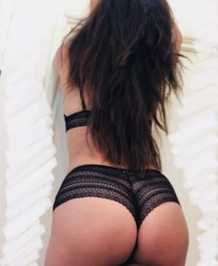 curvy woman, booty, black lingerie, sensual massage, long hair, middle easter